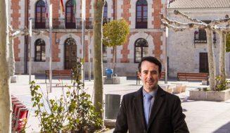 """Iván Velasco: """"Está previsto que a finales de febrero podamos tener todo el término municipal de Montemayor con internet de alta velocidad"""""""