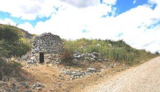 Cultura y Turismo pone en valor el patrimonio etnológico del Valle del Cuco con la recuperación de un chozo de pastor en Corrales de Duero