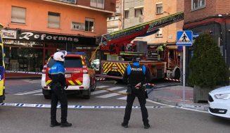 Atendidas dos personas por intoxicación de humo en el incendio de una vivienda en Valladolid