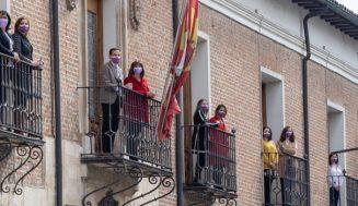 """Las ventanas de todas las dependencias de la Diputación se llenan de mujeres para mostrarse """"diversas, trabajadoras, unidas y fuertes"""""""