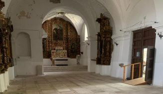 Hoy arrancan los trabajos de pintado de la iglesia de Santiago Apóstol, en Megeces